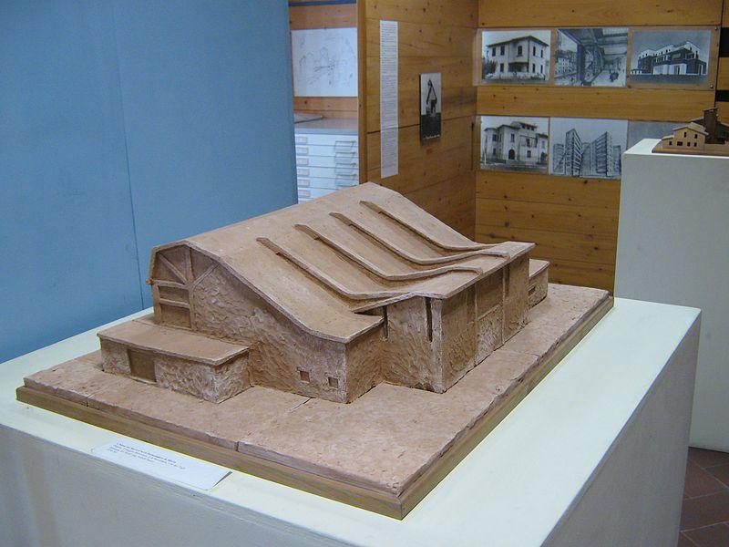 Pistoia, Museo Civico -Modello chiesa del villaggio Belvedere-.JPG