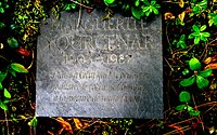 Plaque funéraire de Marguerite Yourcenar.JPG
