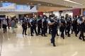 Police go inside YOHO Mall 20201021.png