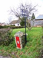 Postbox, Edmondsham - geograph.org.uk - 1160897.jpg
