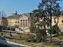 Façade sud de l'aile du Midi (préfecture) du château de Chambéry