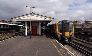 Queenstown Road (Battersea) railway station - Image: Queenstown Road railway station MMB 12 450557