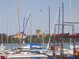 Blick über den Ratzeburger See auf die Dominsel