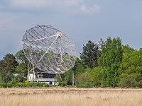 Radiotelescoop op de Heide van het Dwingelderveld.jpg