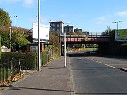 Railway bridge over Hawthorn Street (geograph 2126536).jpg