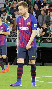 Rakitic 2019 03 17 (cropped).jpg
