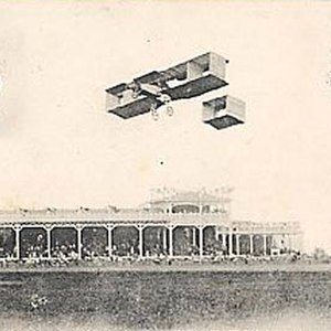 Raymonde de Laroche - Raymonde de Laroche in flight in her Voisin biplane at the Grande Semaine d'Aviation de la Champagne Reims airshow in 1910