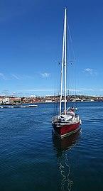 Red sailing boat south harbor Lysekil.jpg
