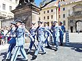 Relève de la garde du Château de Prague – 3.jpg