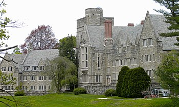 English: Rhoads_Hall in the Bryn Mawr College ...