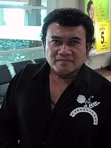 Rhoma Irama at Adi Soemarmo Airport; July 2010.jpg