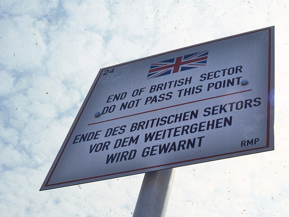 Road sign delimiting British zone of occupation in Berlin 1984