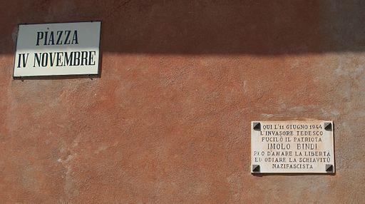 Roccalbegna, Piazza IV novembre, targa Imolo Bindi