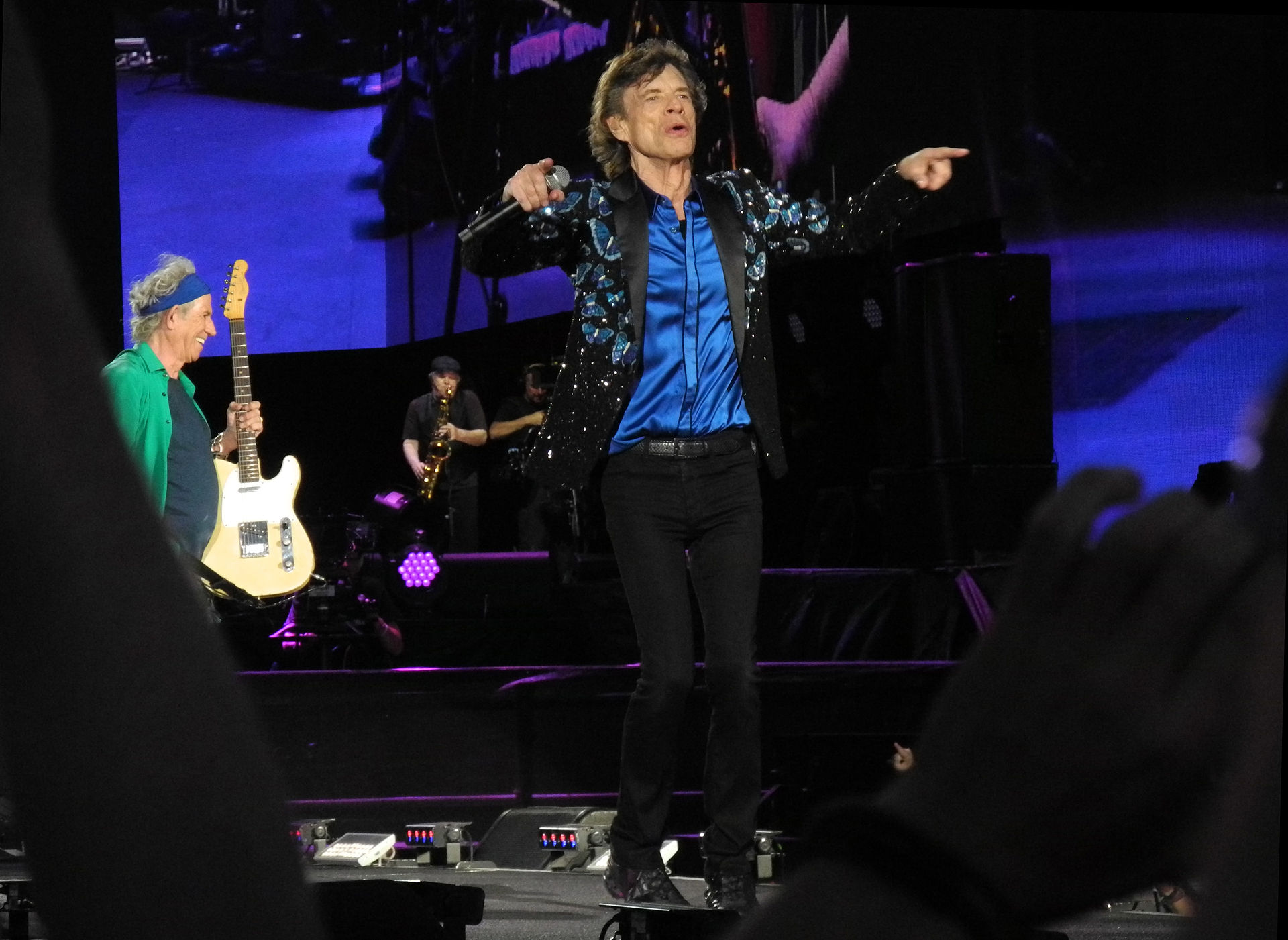 how the rolling stones keep rolling The rolling stones, formed in 1962, have been together for five decades, making them the longest performing rock band of all time.