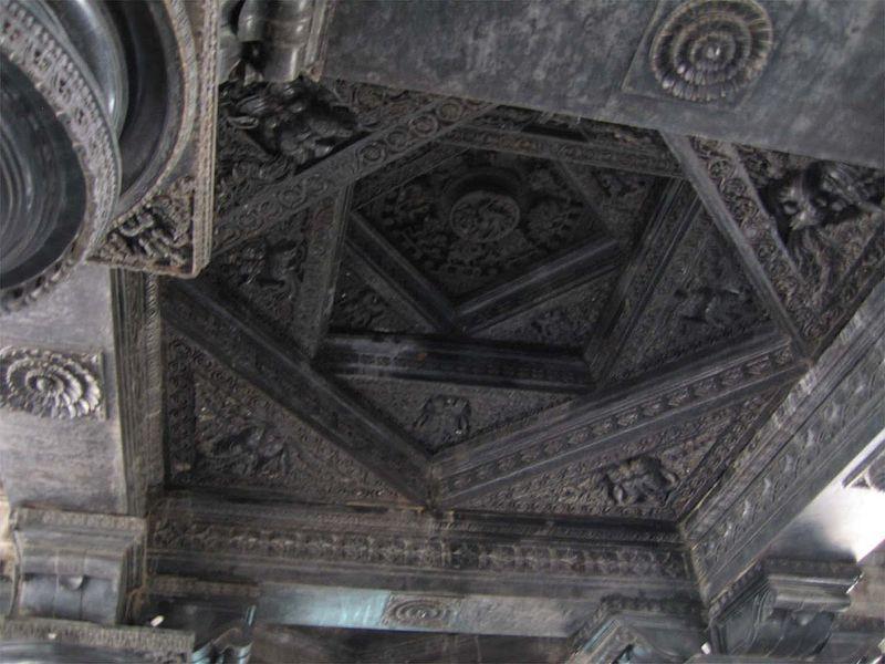 File:Roof-Thousand pillar temple.jpg