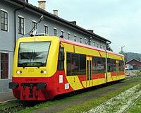 SA109-007 - czeka na odjazd ze stacji Zagórz jako osobówka do Jasła.