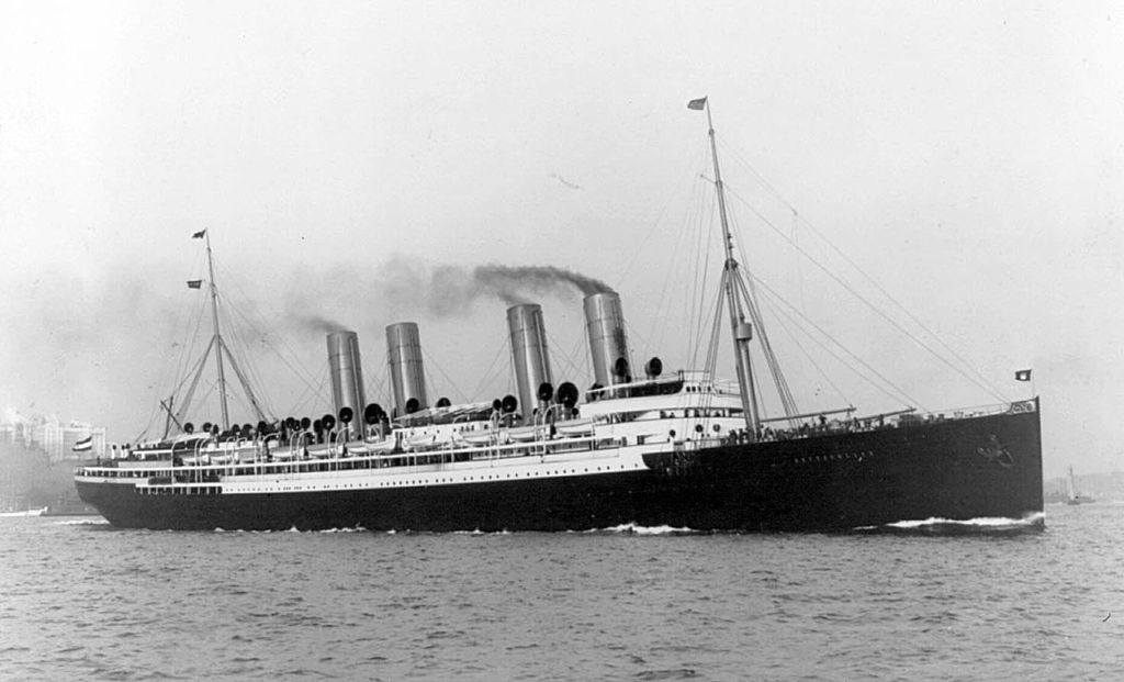 Steam Ship Deutschland 1900