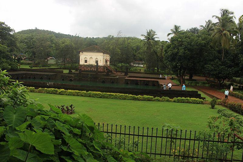 File:Safa Masjid Goa, India.jpg