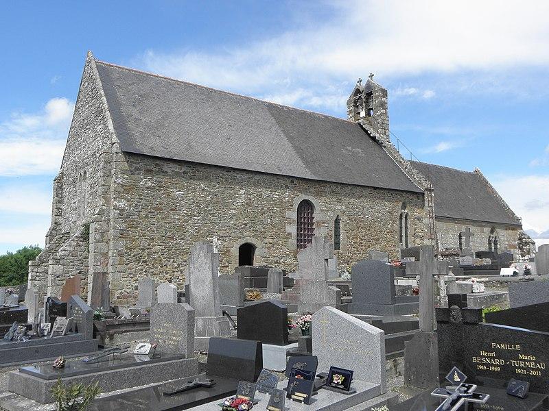Extérieur de l'église Saint-Georges de Saint-Georges-de-Gréhaigne (35). Façade ouest et flanc sud.