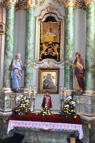 https://upload.wikimedia.org/wikipedia/commons/thumb/e/e6/Saint_Tekla_altair_in_Kolo.jpg/318px-Saint_Tekla_altair_in_Kolo.jpg