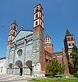 Sant'Andrea-Vercelli-FacciataDestra.jpg