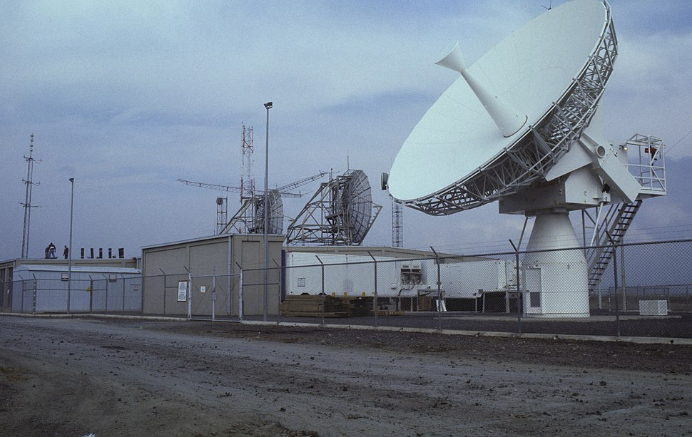 Satcom Naval Air Station Sigonella Italy 1987 DN-ST-87-04785.jpeg