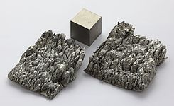 Scandium sublimed dendritic and 1cm3 cube.jpg