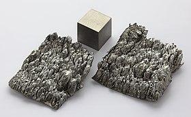 Scandium sublimed dendritic and 1cm3 cube.jpg