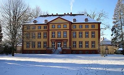 Schloss Hallenburg.jpg