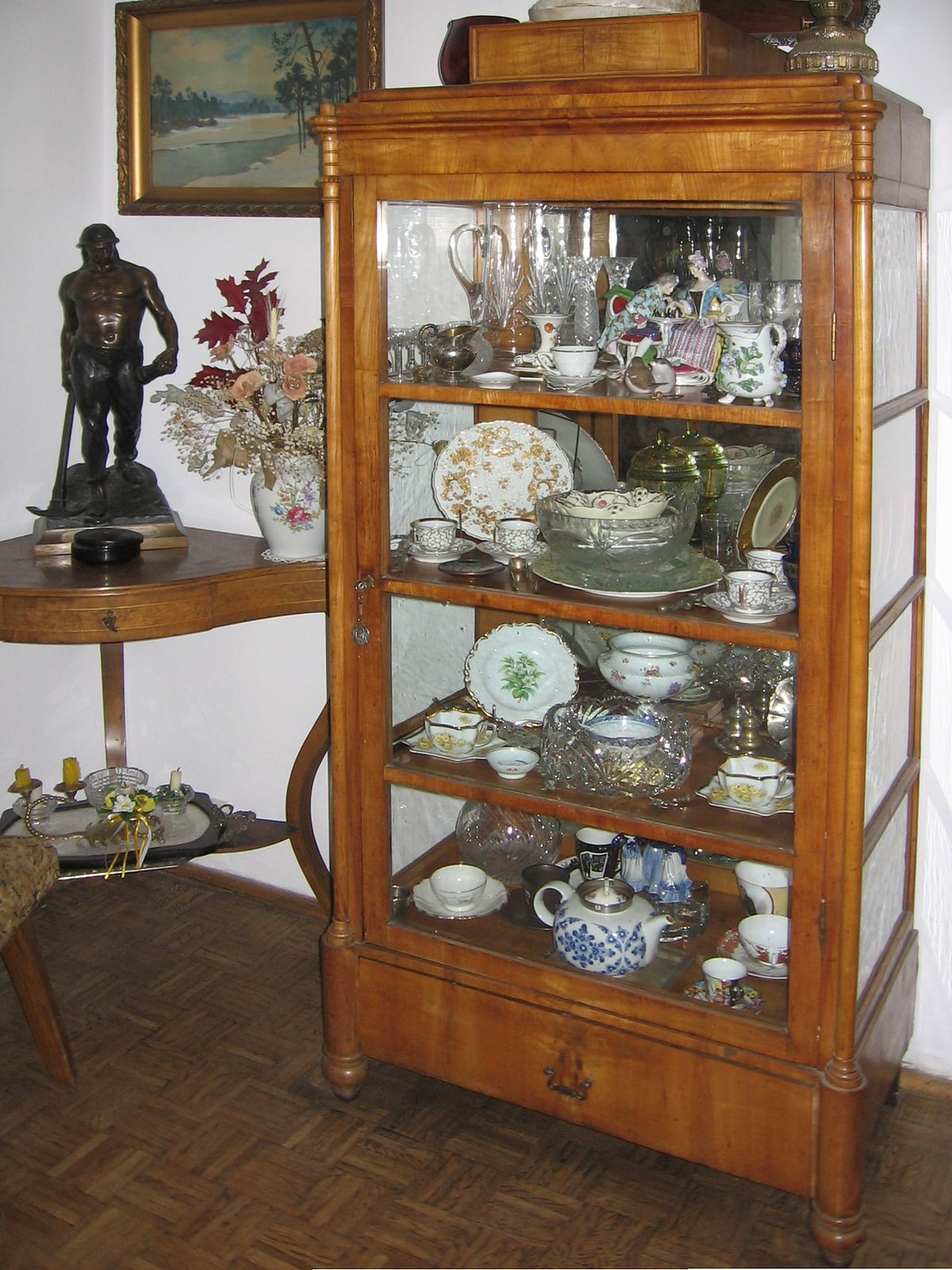 Vitrine meuble wikip dia for Meuble vitrine