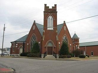 Smiths Grove Baptist Church - Front along Main Street
