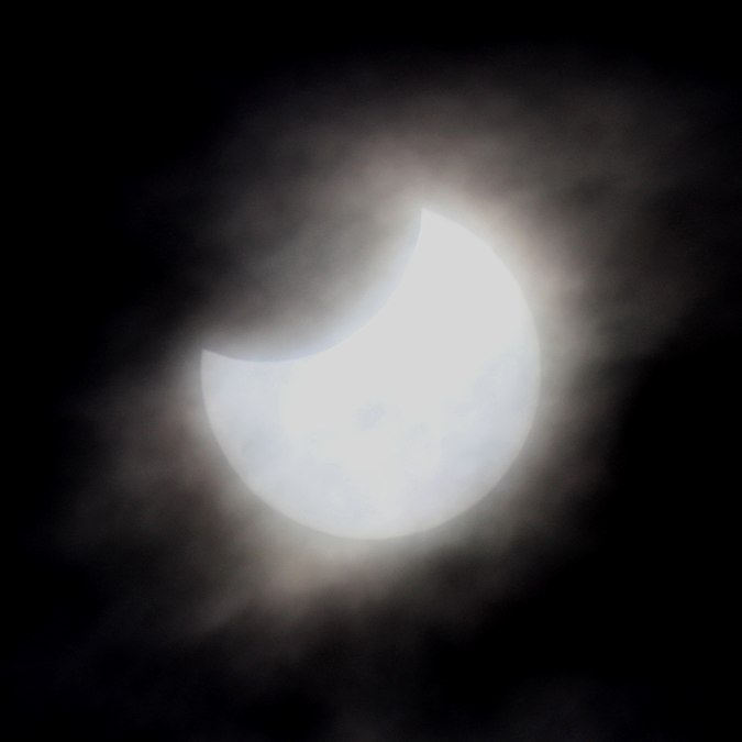 Solar eclipse of 2019 January 6 部分日食.jpg