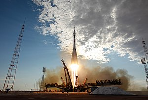 Soyuz TMA-05M rocket launches from Baikonur 4.jpg