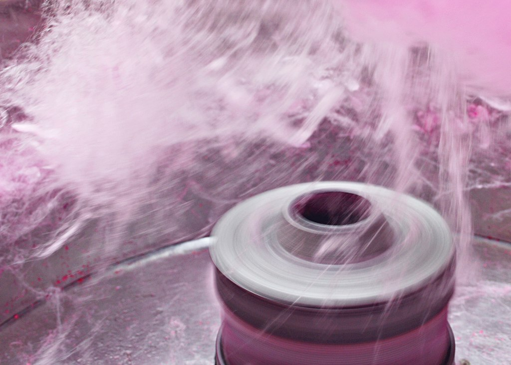 Spinning head of the cotton candy maker