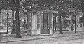 Städtische Straßenbahnen Wien 1903–1913 (page 115 crop) – Wartehalle aus Steinholz vor dem Börsengebäude.jpg