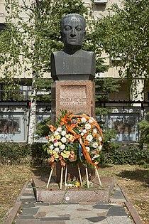 Statue in Sofia 03 Nikola Petkov.jpg