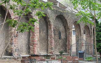 Frankfurter Judengasse - Part of Staufenmauer at Fahrgasse.