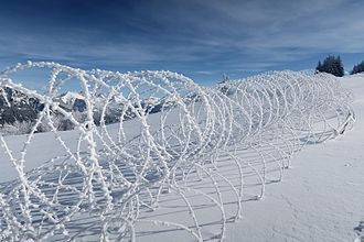 Wire obstacle - Obstacle with concertina wire