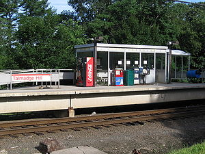 Talmadge Hill (Metro-North station) - Central shelter at the station