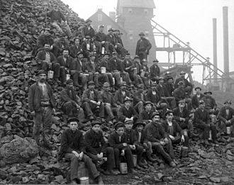 Copper extraction - Miners at the Tamarack mine in Copper Country, in 1905