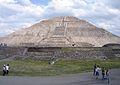 Teotihuacan Pyr of Sun Mex 11-2006.jpg