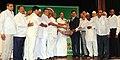 The Minister of State (Independent Charge) for Consumer Affairs, Food and Public Distribution, Professor K.V. Thomas presenting the Efficiency Award to the Jawahar Shetkari Sahakari Sakhar Karkhana Ltd. Hupari.jpg