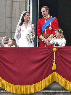 The royal family on the balcony (cropped)