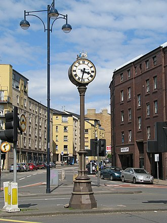Tollcross, Edinburgh - The pillar clock in front of Lauriston Place