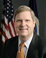 Tom Vilsack, official USDA photo portrait.jpg