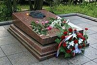 Tomb of Nikolai Ivanovich Kuznetsov in Lviv.jpg