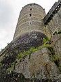 Tour sur le rempart Sud du château de Fougères.jpg