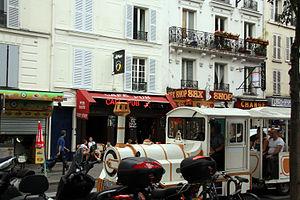 Boulevard de Clichy - Tourist train on Boulevard de Clichy