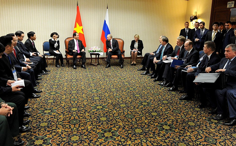 Tr%E1%BA%A7n %C4%90%E1%BA%A1i Quang and Vladimir Putin, 2016-01
