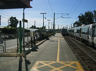 Oats Street railway station - Northbound view from Platform 1 in April 2005
